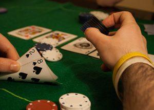 Mastering-Poker-Bluffing-Top-10-Winning-Tips